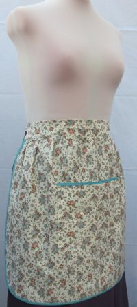 L131 XJX - LARGE POCKET HALF APRON